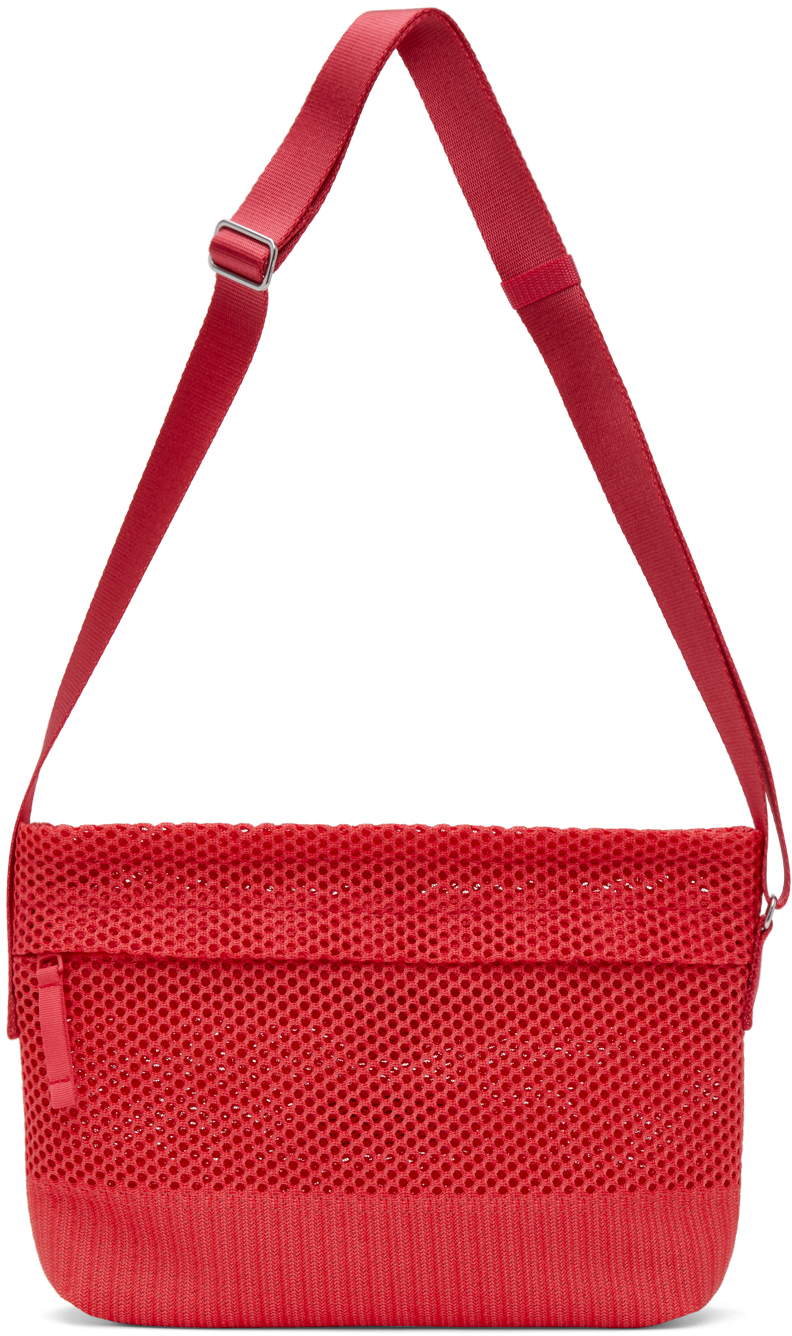 132 5 ISSEY MIYAKE Red Kago Messenger Bag 211302M170030