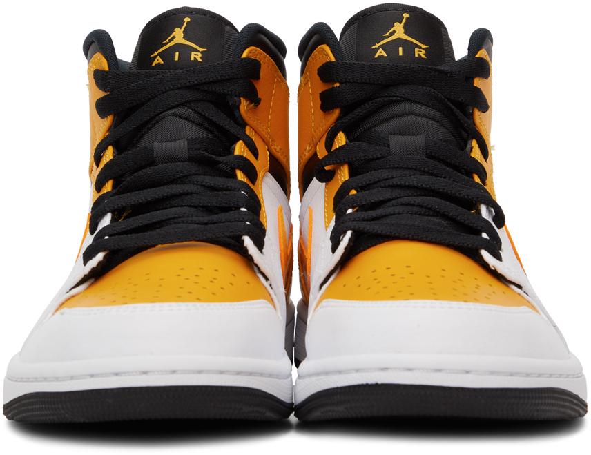 Yellow & White Air Jordan 1 Mid Sneakers Nike. Цвет: wt/uni gold