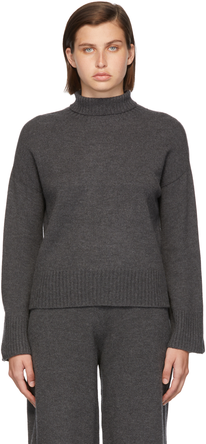 Grey Wool Whole Garment Turtleneck