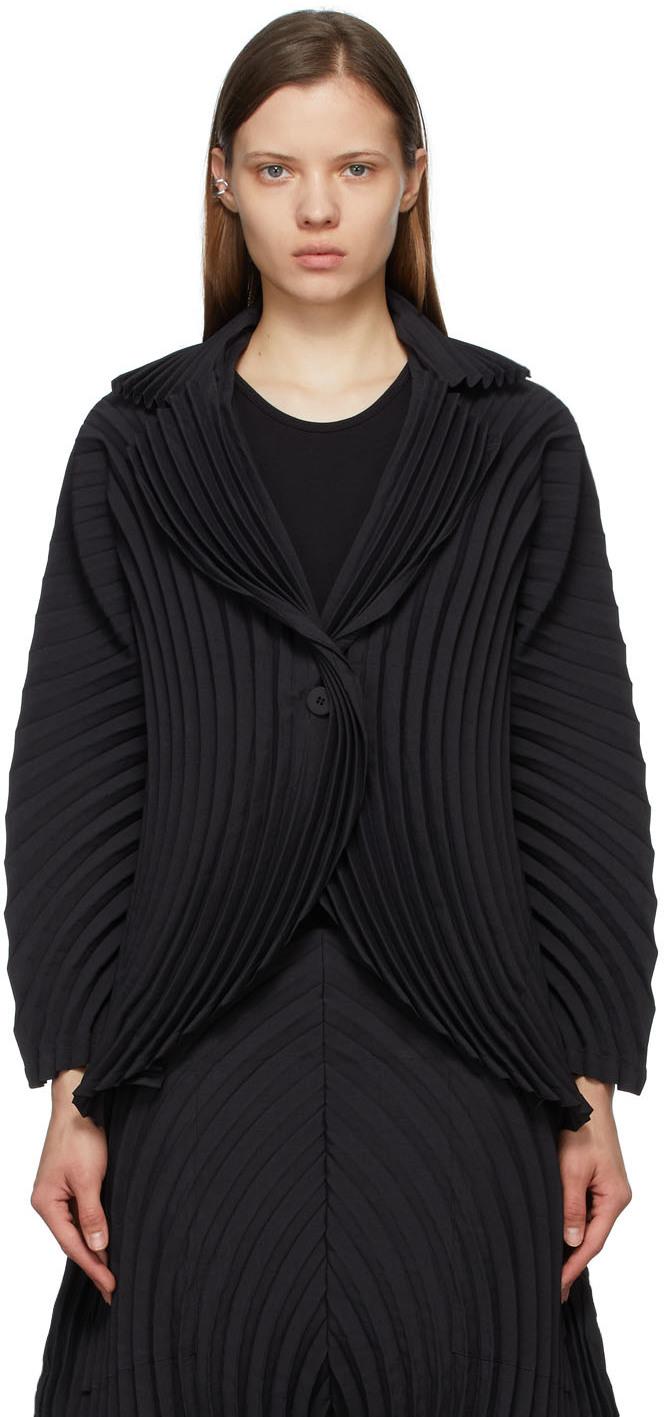 Black Wrapped Pleats Jacket
