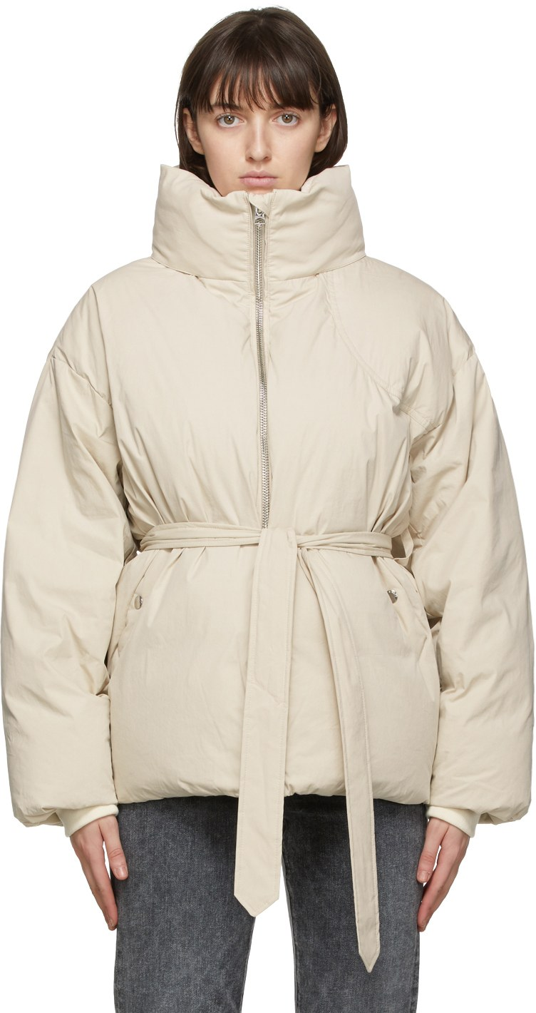https://img.ssensemedia.com/images/b_white,g_center,f_auto,q_auto:best/202055F061260_1/rag-and-bone-beige-down-donna-puffer-jacket.jpg