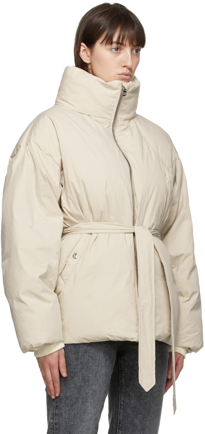 https://img.ssensemedia.com/images/b_white,g_center,f_auto,q_auto:best/202055F061260_2/rag-and-bone-beige-down-donna-puffer-jacket.jpg