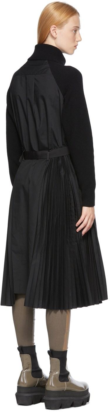 https://img.ssensemedia.com/images/b_white,g_center,f_auto,q_auto:best/212445F054016_3/sacai-black-knit-pleated-dress.jpg